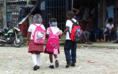 Día de las Manos Rojas: alto al reclutamiento de niños, niñas y adolescentes.